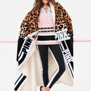 VS PINK Limited Edition Sherpa Blanket Leopard NEW